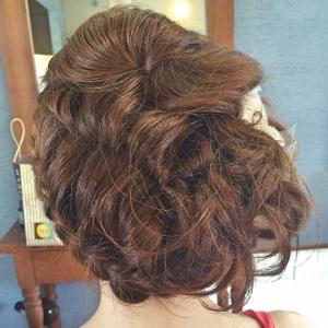 後ろからみても可愛い!!結婚式のヘアセット